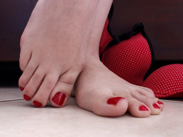 FOOT FETISH. . Sex ploiesti, escorte ploiesti, fete pl; oiesti, masaj ploi